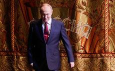 Pew обрушило рейтинги Путина и России