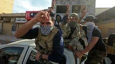 Турция пытается извлечь выгоду из помощи ПНС, обманом вербуя сирийцев в Ливию — эксперт