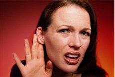 Роспотребнадзор объяснил влияние коронавируса на слух