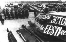 Оскорбляющая День Победы Прибалтика забыла, кому обязана свободой и экономикой