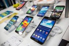 Эксперты Роскачества перечислили нежелательные к покупке смартфоны