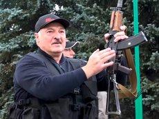 Лукашенко углубляет разрыв с народом и Россией