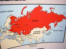 России придется забрать Украину и Белоруссию в новую Империю?