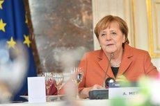 Политолог объяснил, зачем Меркель съездит в Киев