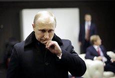 Почему обваливаются рейтинги Путина и