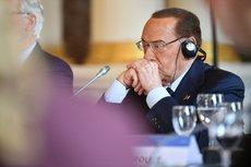 Сильвио Берлускони снова попал в больницу