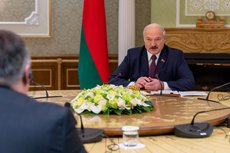 Лукашенко нашёл для рабочих альтернативу «плантациям у немцев»