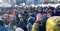 Ступин и Енгалычева явились на акции Навального, закрыв глаза на позицию ЦК
