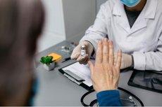 Эксперт предложил ввести платное лечение от COVID-19 для отказников от вакцинации