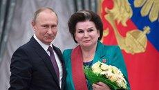 Путин поздравил Терешкову с днем рождения