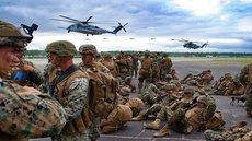 НАТО начинает репетицию войны с Россией у ее границ