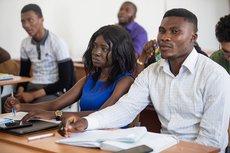 Центральноафриканские студенты учатся выявлять дезинформацию в СМИ