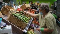 В России потребление товаров населением упало до пятилетнего минимума