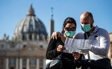 Страны ЕС начнут принимать вакцинированных туристов