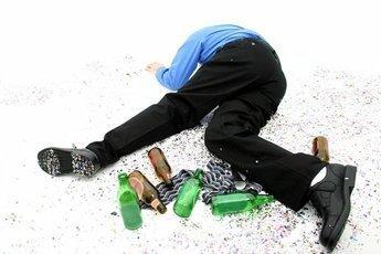 Минздрав: мужчины рано умирают из-за алкоголя
