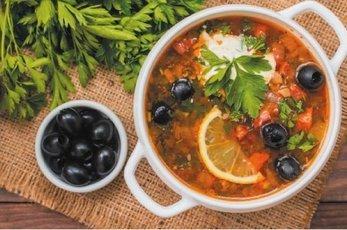 Топ-5 рецептов быстрых супов, которые помогут избавиться от похмелья