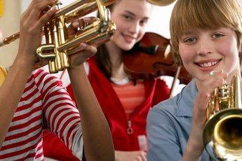 Дети, занимающиеся музыкой, лучше учатся и успешнее сдают экзамены
