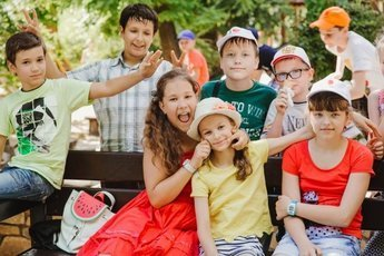 Длительные школьные каникулы вредны для детей и учителей - врачи